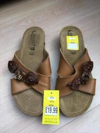 Pavers leather sandals