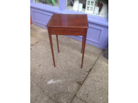 Charming Little Antique Mahogany Lamp/Occasional/Side Table