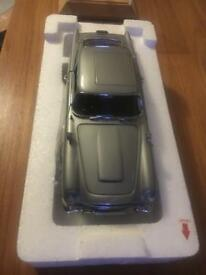Limited Danbury mint James Bond Aston Martin db5 & display case