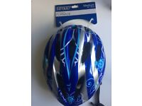 Brand New with Tags Halfords Trax Cycle Helmet, Size Medium 54-58cm