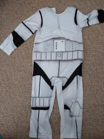 Storm Trooper kids dressing up with mask 3-4 years