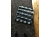 Medium size puppy pen, folds up excellent condition