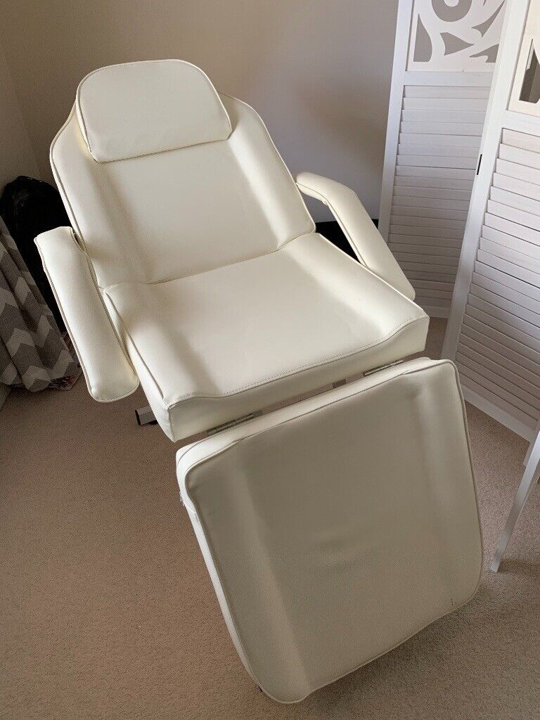 Prime Beauty Therapy Chair Bed In Portishead Bristol Gumtree Creativecarmelina Interior Chair Design Creativecarmelinacom
