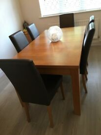 6 seater dining room table and chairs.