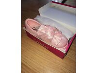 New in box Girsl Toddler UK11 sparkle Shiny Pink shoes