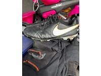 Nike tiempo size 10