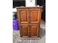 Oak cabinet/tv unit