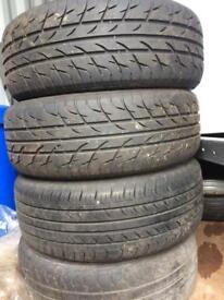 205/60/15 tyres on Alfa Romeo alloy wheels.