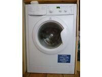 Washing machine - Indesit - Hardly used, mint condition