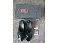 LADIES DESIGNER ALPINI BLACK LEATHER & PATENT SHOES, UK 4.5, BOXED (WORN ONCE, LIKE NEW)