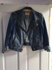 Zara Denim Jacket - in excellent condition - Size: Medium