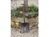 LARGE Garden Shovel (Width 32 cm by Length 38 cm)