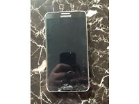 Samsung galaxy note 3 crack bottom of acreen and few chips £70 ono can deliever