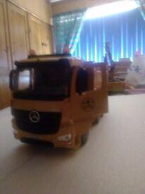 Radio controlled tipper truck