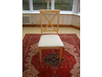 IN VERY GOOD CONDITION – 4 SOLID OAK CHAIRS ONLY £15.00 EACH (CAN DELIVER)