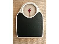 Salter Large Dial Mechanical White Metal Bathroom Scales Black Vinyl Grip mat