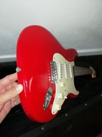 Electric guitar - Strat squier - Right handed