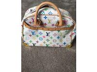 Genuine Louis Vuitton hand bag BA0023