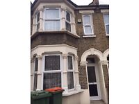 Lovely 3 bedroom house available now for let in Plaistow £1750