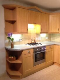 Kitchen Units with White Goods
