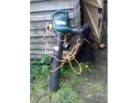 Electric leaf blower/vac