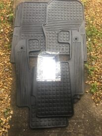 Genuine Landrover Discovery 3 / 4 Set Of Rubber Floor Mats