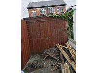 Fencing an garage for sale