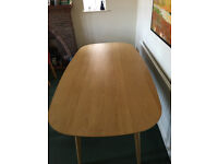 Oslo oak modern (bentleys designs) dining table and 6 upholstered chairs, v little used