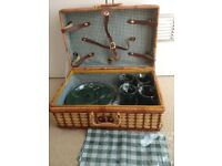 TRADITIONAL PICNIC HAMPER (WITH CONTENTS) - BRAND NEW