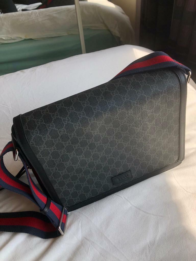 299b006a587 Gucci supreme flap messenger
