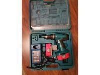 Makita drill 18v, 2 batteries