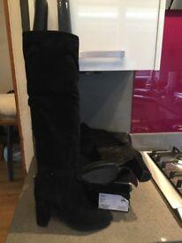 Modern rarity Suri boots size 40