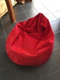 Bean bag in red