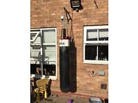 Punch bag with 1 glove