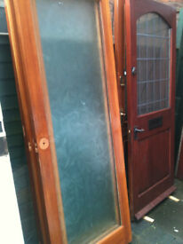 Interior doors x5 with large patterned glass panels