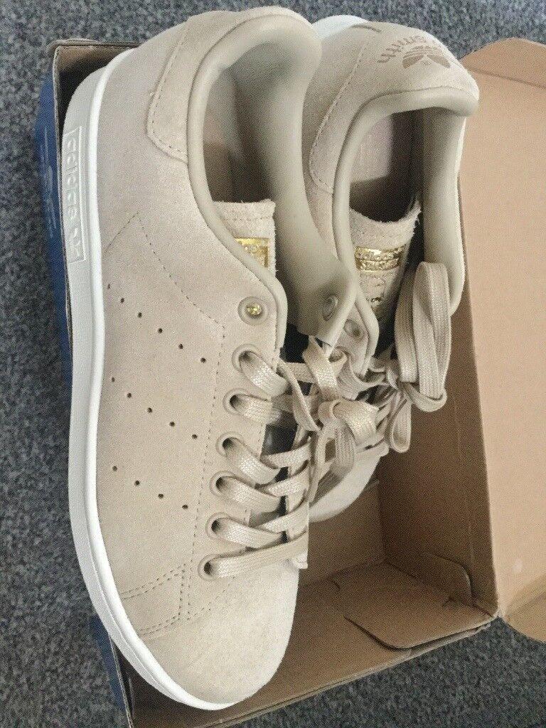 Adidas Stan Smiths size 6