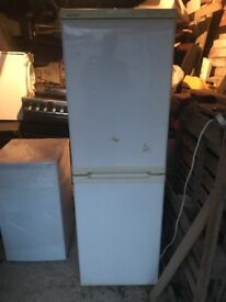 white beko fridge freezer can deliver £65