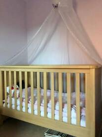 Mamas and Pappas cot bed