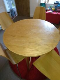 Dining table +5 chairs