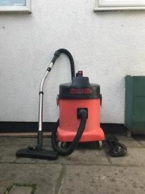 Henry numatic Industrial dry vacuum cleaner
