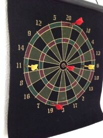 MAGNETIC DARTS GAME.
