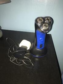 Men's rechargeable shaver