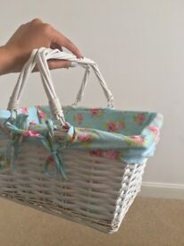 White wicker basket with floral (detachable) lining