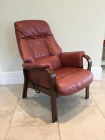 Reclining chair in beautifully soft leather