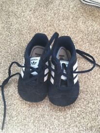 Navy Adidas gazelle baby trainers