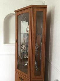 Immaculate Corner Display Unit - With Lights