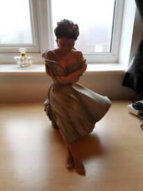 Limited edition statue Elisa