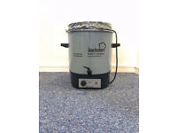 BRAND NEW 27 LITER WATER BOILER MADE IN GERMANY BY KOCHSTAR