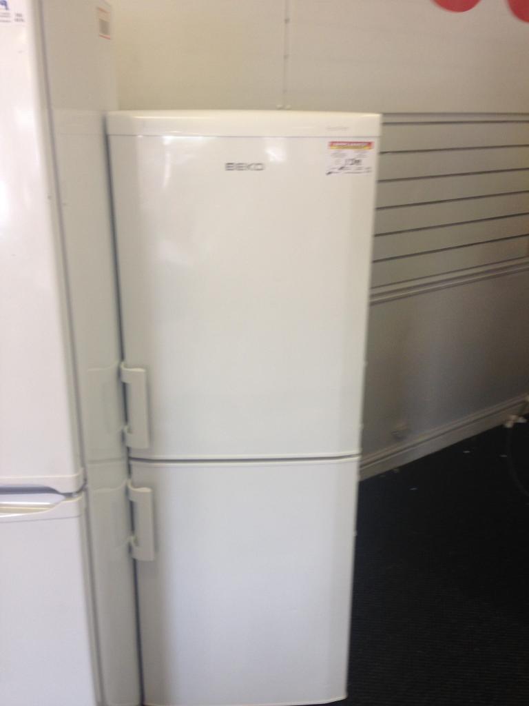 Beko Fridge Freezer (5163)