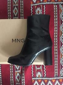 Black high heel boots size UK 6